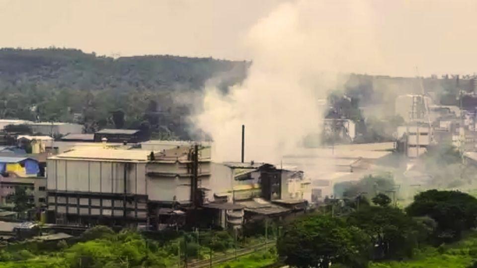Ambernath: MIDC मध्ये वायूगळती; श्वास घेणंही झालं कठीण