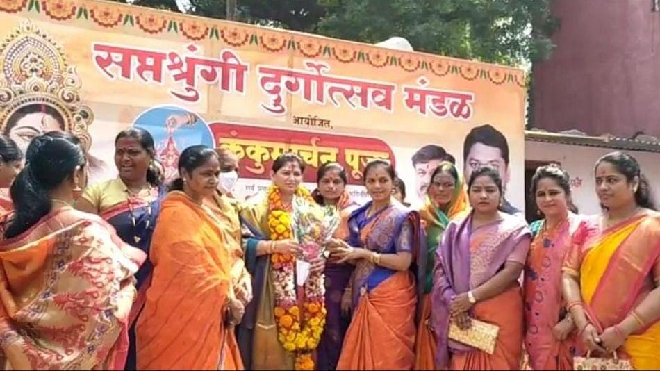 राजश्री मुंडे यांच्या हस्ते दीड हजार महिलांना ई-श्रम कार्डचे वाटप