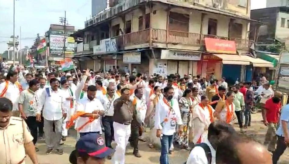 महाराष्ट्र बंद..जळगावात महाविकास आघाडीचे नेते उतरले रस्त्यावर; तरीही प्रतिसाद समिश्र