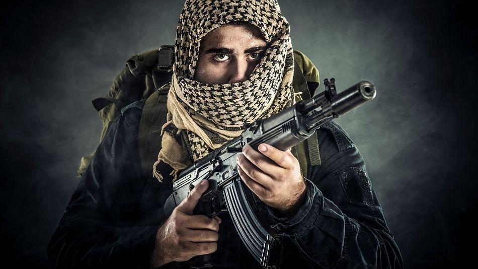 Jammu Kashmir मध्ये चकमक; लष्करचे 5 जवान शहीद