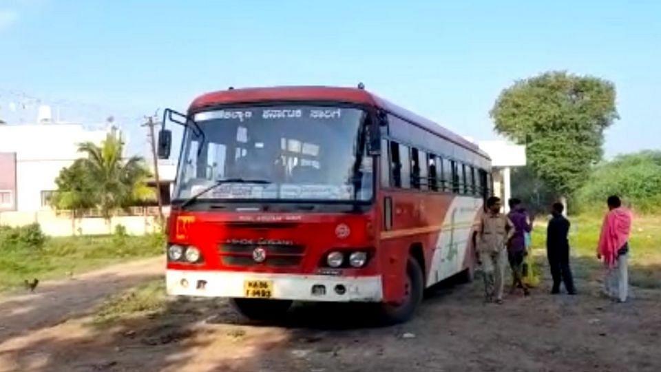 Pune: बसमध्ये प्रवासा दरम्यान महिलेची झाली प्रसूती; मुलाला दिला जन्म