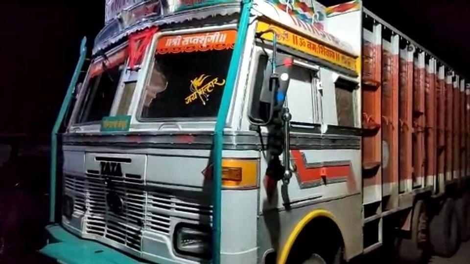 Nandurbar: भरधाव ट्रकने दुचाकीला चिरडले; एक जागीच ठार, दोघे गंभीर जखमी