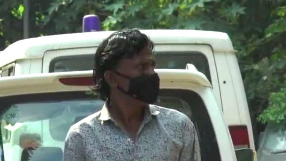 Mumbai: तृतीयपंथी बनून लोकांना लुटणाऱ्या अट्टल भामट्याला अटक!