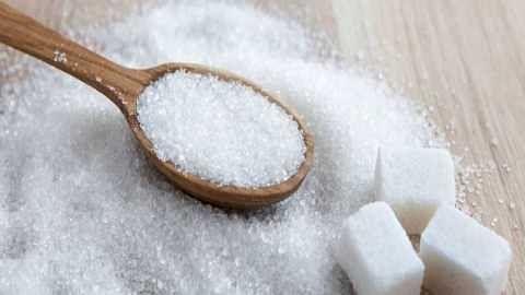 महसूलमंत्र्यांचा कारखाना देणार मोफत १५ किलो साखर!