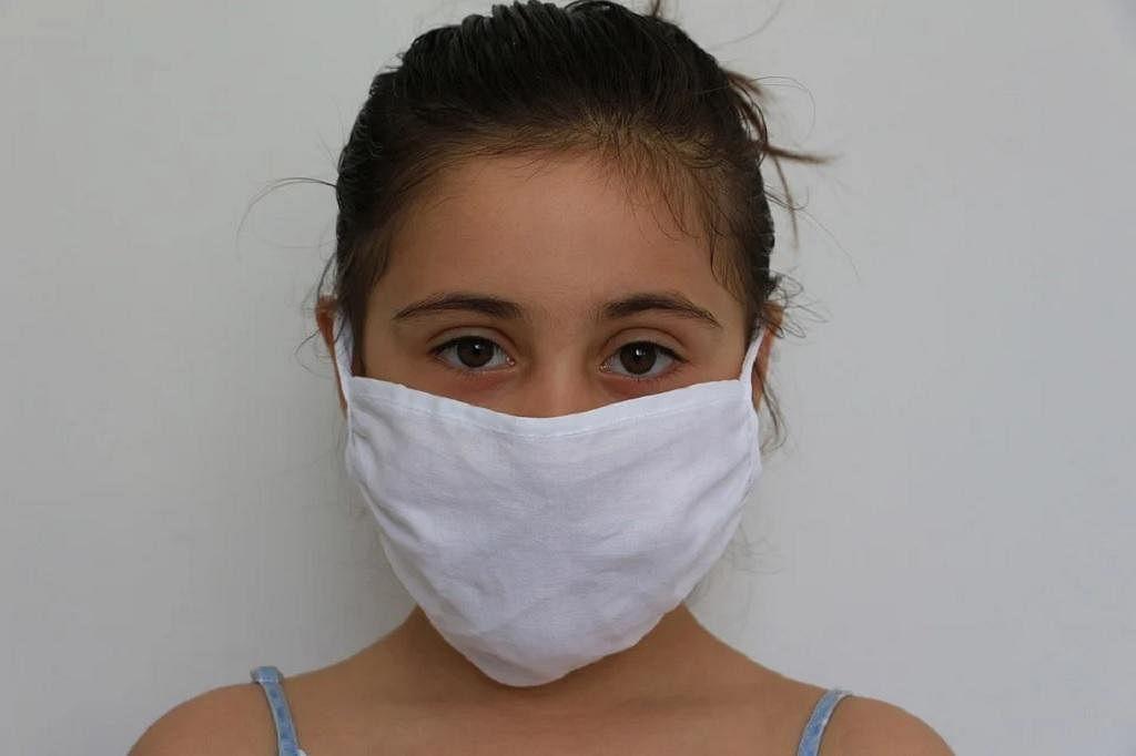 मास्क वापरताय ना? मग ही बातमी वाचाच! मास्कमुळे खरंच ऑक्सिजन लेव्हल कमी होते?