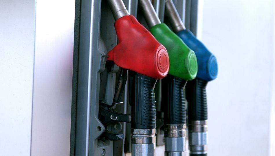 केंद्र सरकारचा मोठा निर्णय, पेट्रोल मध्ये 20 टक्के इथेनॉल मिसळण्यास परवानगी