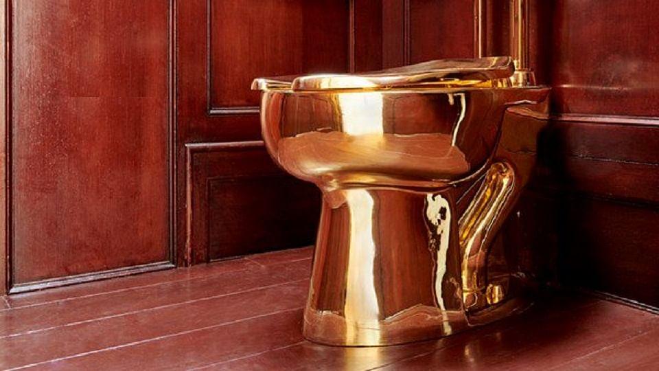 इंग्लंडच्या ब्लेहनेम पॅलेसमध्ये चोरी; सोन्याचं टॉयलेटवर चोरांचा डल्ला