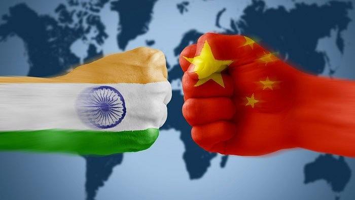 जगाला संकटात ढकलणारा चीन भीकेला लागण्याची चिन्हं
