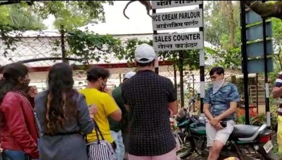 लाॅकडाऊनच्या नियमांना हरताळ; महाबळेश्वरमध्ये झाली पर्यटकांची भाऊगर्दी
