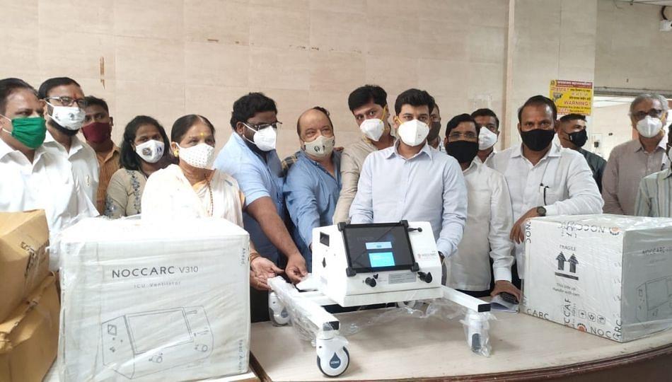 उल्हासनगर महापालिकेला खासदार डॉ.श्रीकांत शिंदे यांच्याकडून तीन व्हेंटिलेटर