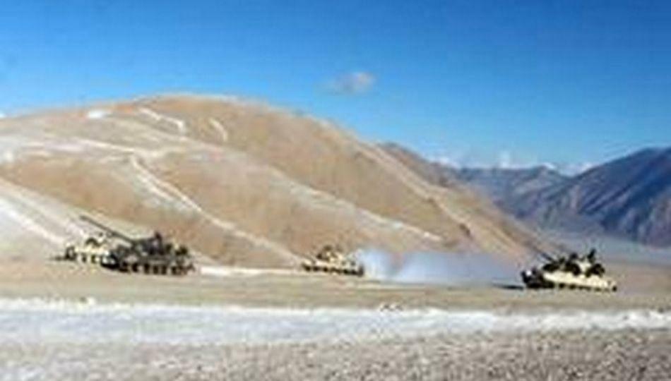 पूर्व लडाखमध्ये चीनच्या हवाई दलाचा युद्धाभ्यास; भारताची चिंता वाढली