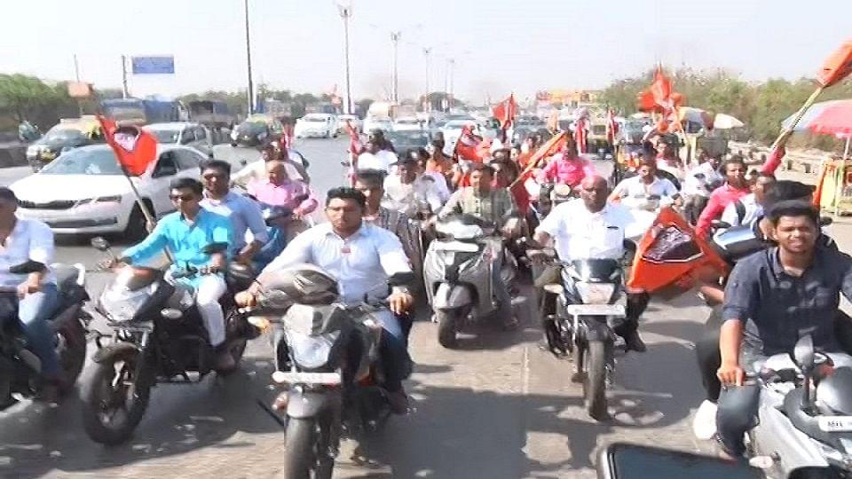 हेल्मेट न घालताच निघाली मनसैनिकांची नवी मुंबईत बाईक रॅली