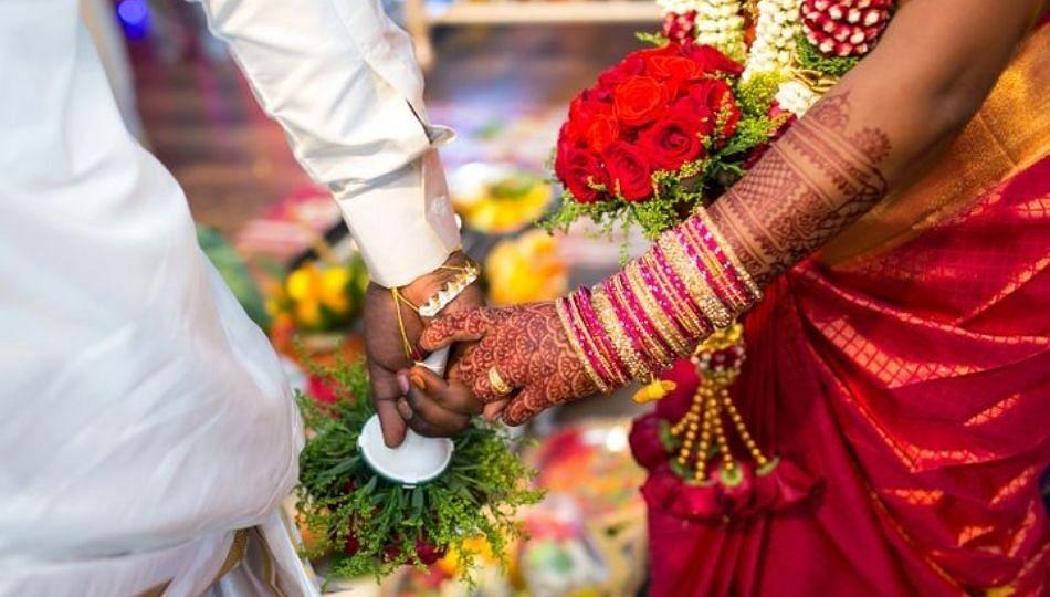 चक्क बहिणीने सख्ख्या भावासोबत केलं लग्न ; वाचा सविस्तर..