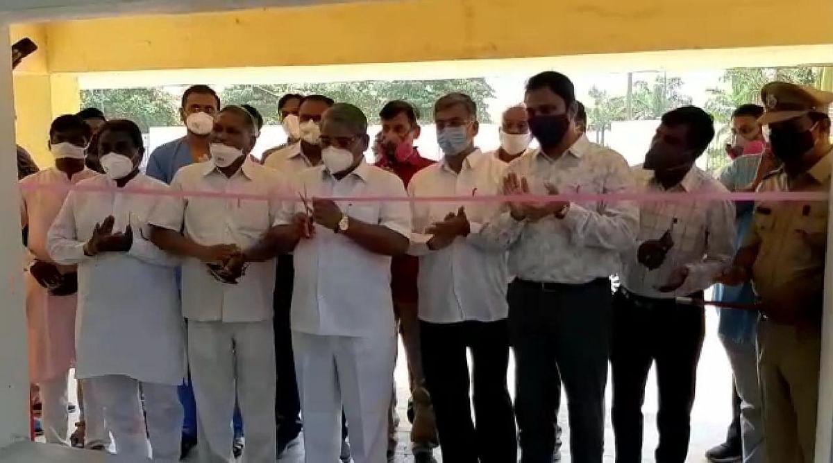 मुकेशभाई पटेल जम्बो कोविड सेंटर मध्ये हवेतून ऑक्सिजन तयार करणाऱ्या प्रकल्पाचे लोकार्पण