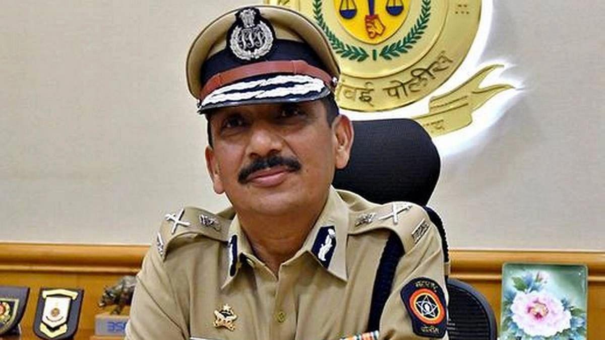 मोठी बातमी : मुंबई पोलिसांनी थेट सीबीआय संचालकांनाच बजावले समन्स