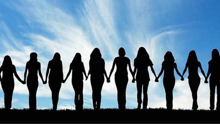 आरोग्यमंत्री म्हणतात, आता महिलांना अविवाहित  राहायला आवडतं!