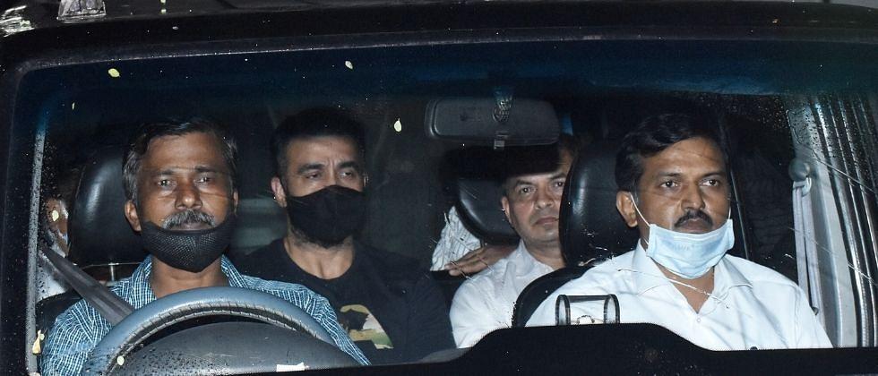 मोठी बातमी : मुंबई पोलिसांनंतर राज कुंद्रा अडकला 'ईडी'च्या फेऱ्यात