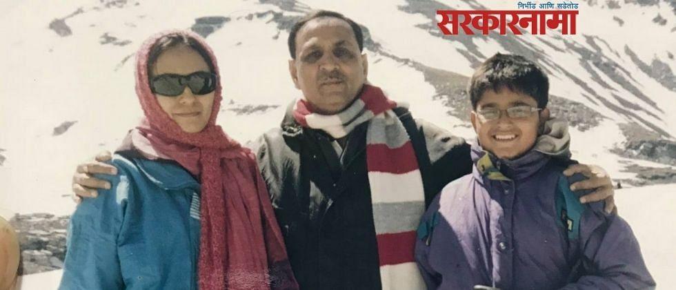 रुपानींच्या राजीनाम्यानंतर मुलगी म्हणाली...मोदींच्याही आधी माझे वडील तेथे पोहोचले होते