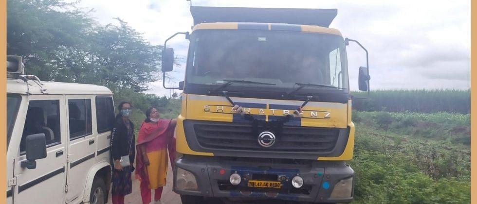 तहसीलदार देवरेंनी पकडला गणेश लंकेंचा वाळू चोरणारा ट्रक