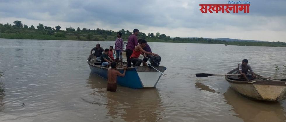 वर्धा नदीत एकाच कुटुंबातील ११ जण बुडाले, तीन मृतदेह सापडले..