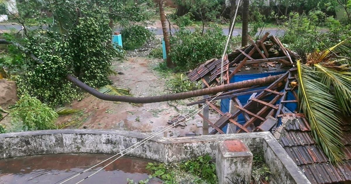 கஜா புயலை தொடர்ந்து மீண்டும் மழை.. 5 மாவட்டங்களில் கொட்டி தீர்க்கிறது