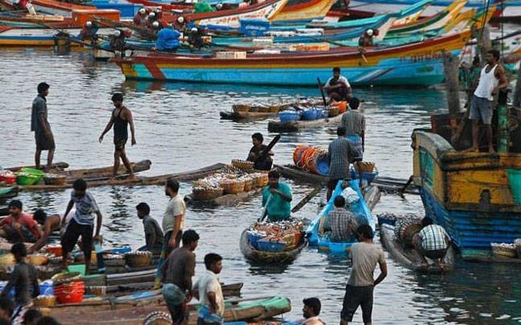 பலத்த காற்று வீசும்: குமரி மீனவர்கள் கடலுக்கு செல்ல வேண்டாம்!
