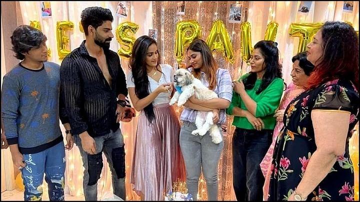 'பிக்பாஸ்' ஷிவானி வீட்டில் விசேஷம்… ஒன்றுகூடிய 'பாலா கேங்'..!