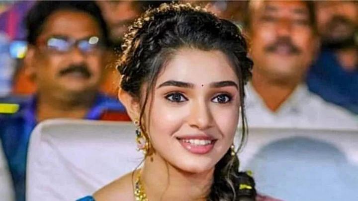 'உப்பென்னா' பட நாயகி தனுஷுக்கு ஜோடியாகிறார்!!