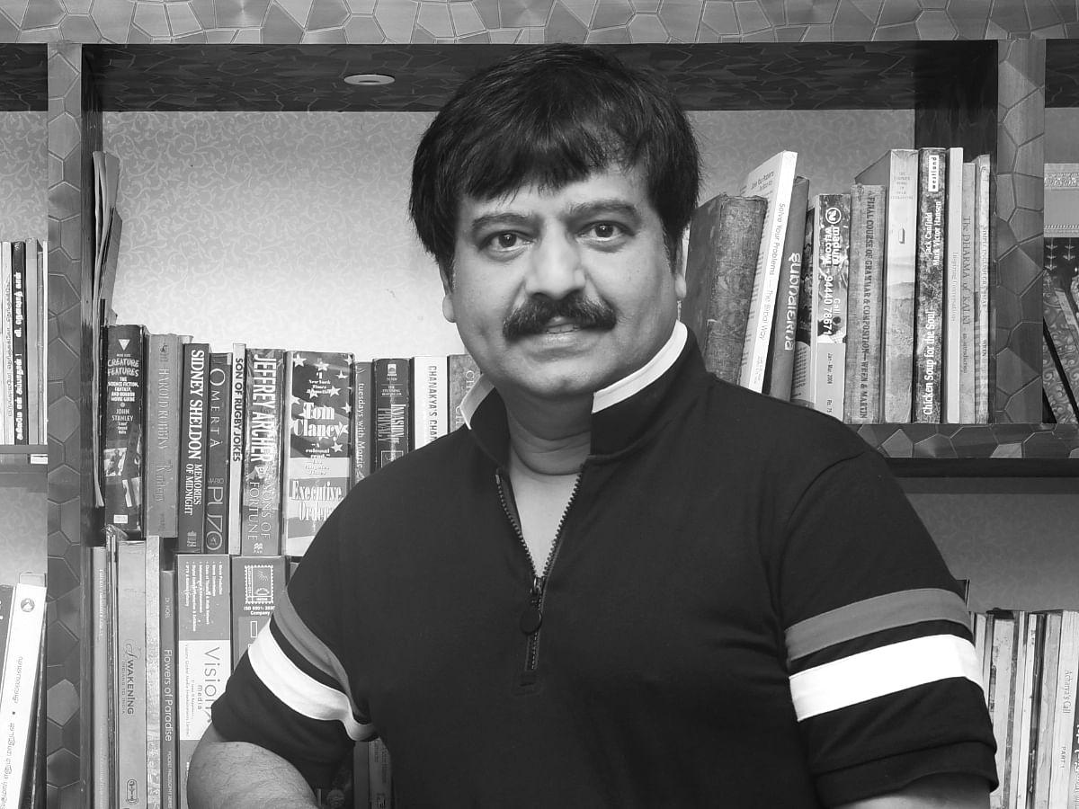 காவல்துறை மரியாதையுடன் விவேக் உடல் நல்லடக்கம்: தமிழக அரசின் அரசாணை!