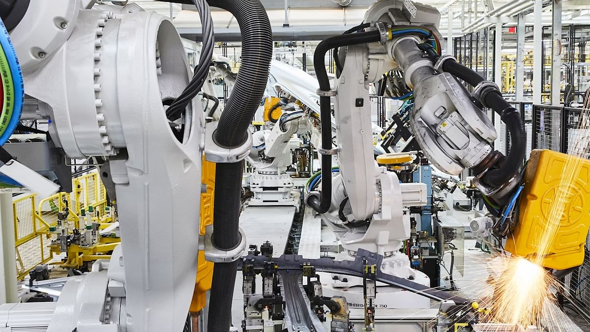 VW Commercial Vehicles to Deploy 800 ABB Robots in Hanover