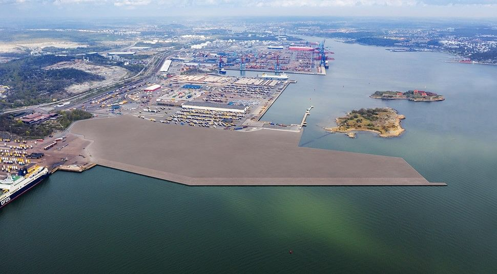 Dredging Transforms into New Terminal at Port of Gothenburg