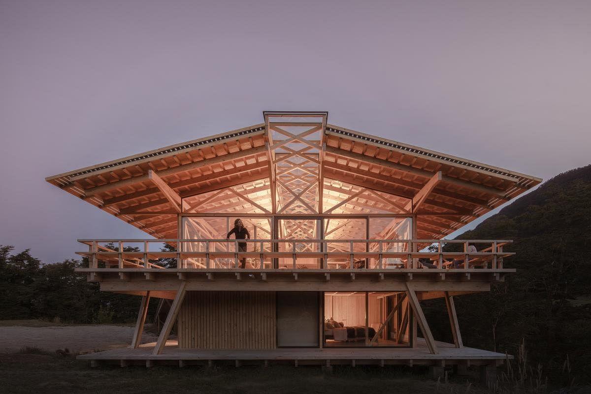 Snohetta Unveils Ultra Sustainable Workspace in Norway