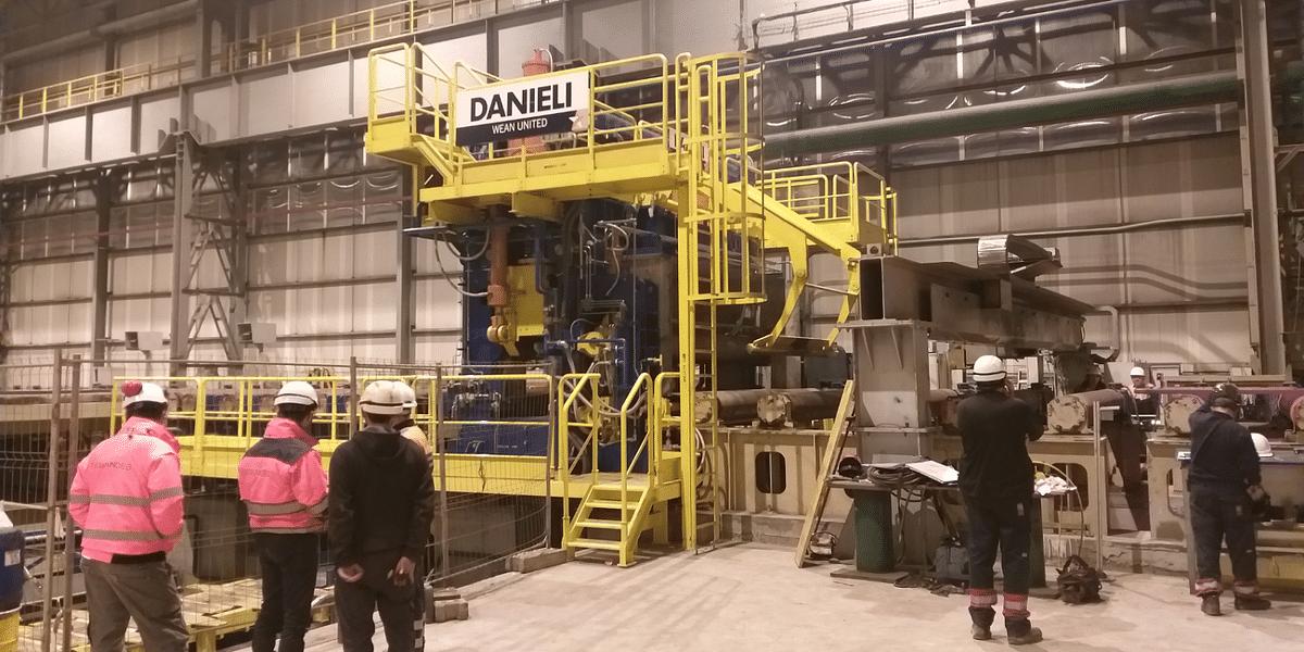 Laminoirs des Landes Operating Danieli Hydraulic Plate Shear