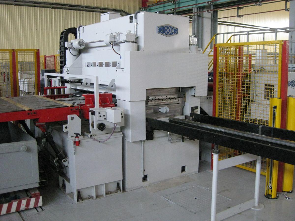 GEORG Straightening Machine in EMW Sthal Service Center
