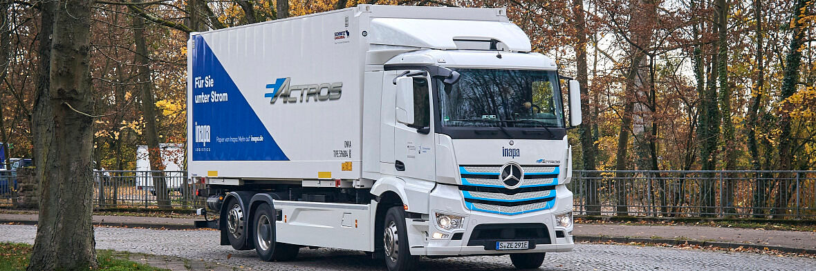 Inapa Deutschland Tests Mercedes Benz eActros in Paper Logistics