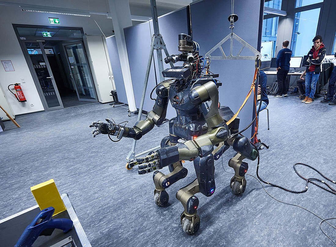 Robot Tested at Leningrad Nuclear Power Plant