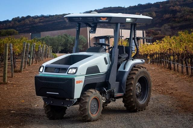 Monarch Tractor Launches Fully Electric Tractor