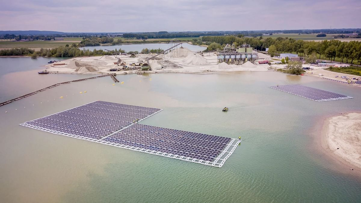 EDF Renewables StartsConstruction Floating Solar Facility inFrance