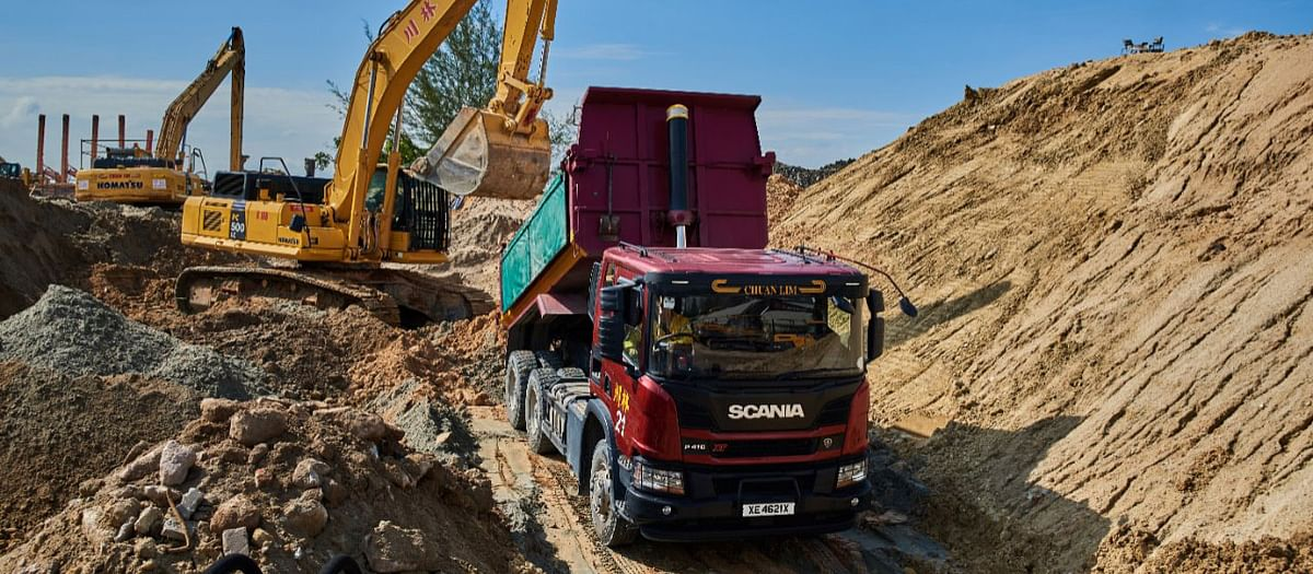 Scania XT Tipper Handles Tough Conditions in Singapore