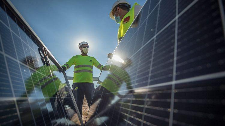 Lightsource bp Secures 845MW Solar Pipeline in Spain