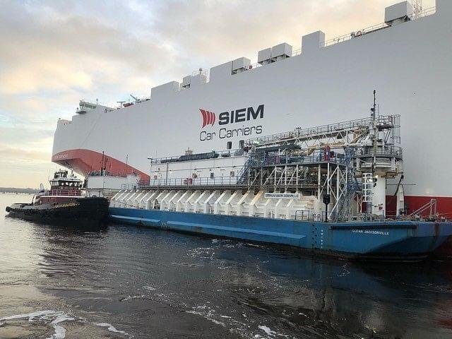 JAX LNG & TOTE Ship to Ship LNG Bunkering at JAXPORT