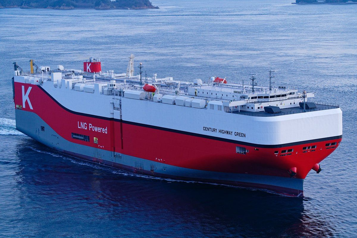LNG Fueled Car Carrier CENTURY HIGHWAY GREEN to K Line