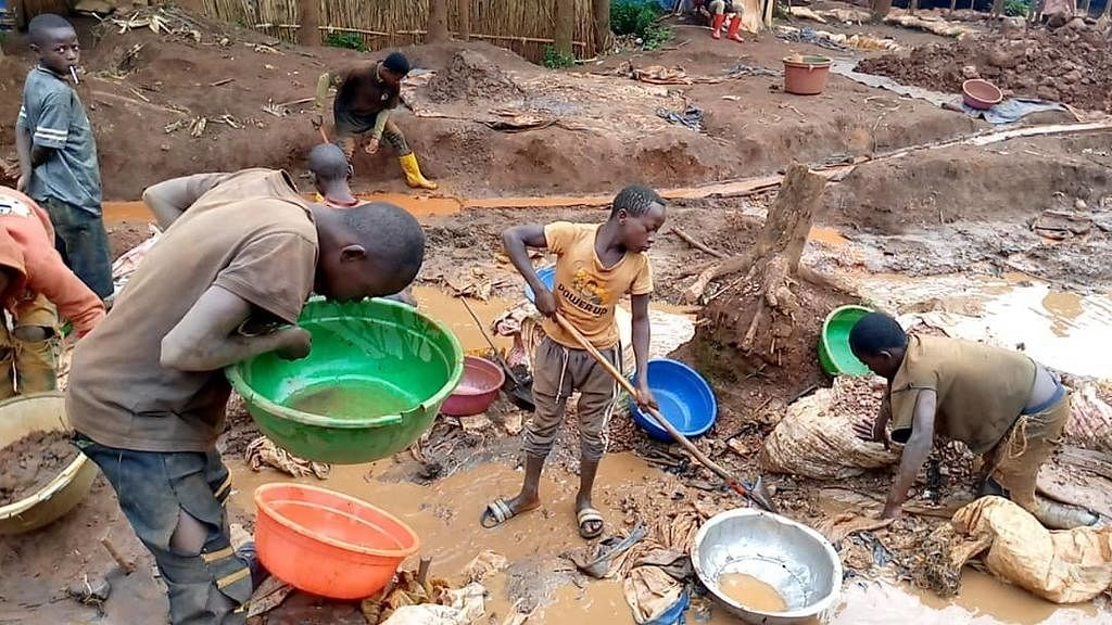 Children Working in Gold Mines in the DR Congo