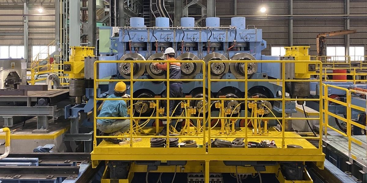 Danieli Heavy Duty Straightener in Operation at Topy in Japan