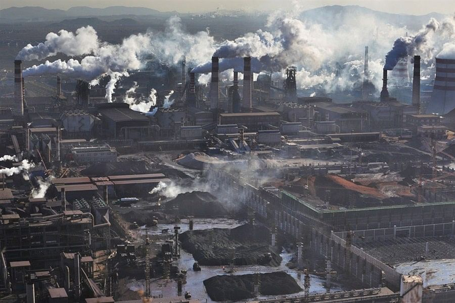 Tangshan City Cracks Down on Polluting Steel Mills