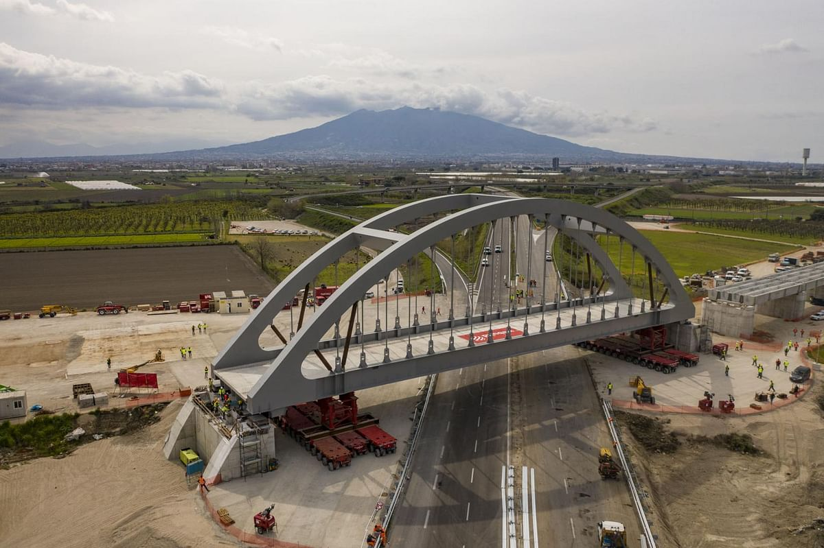 Webuild Installs Viaduct on Naples Cancello for High-Speed Railway