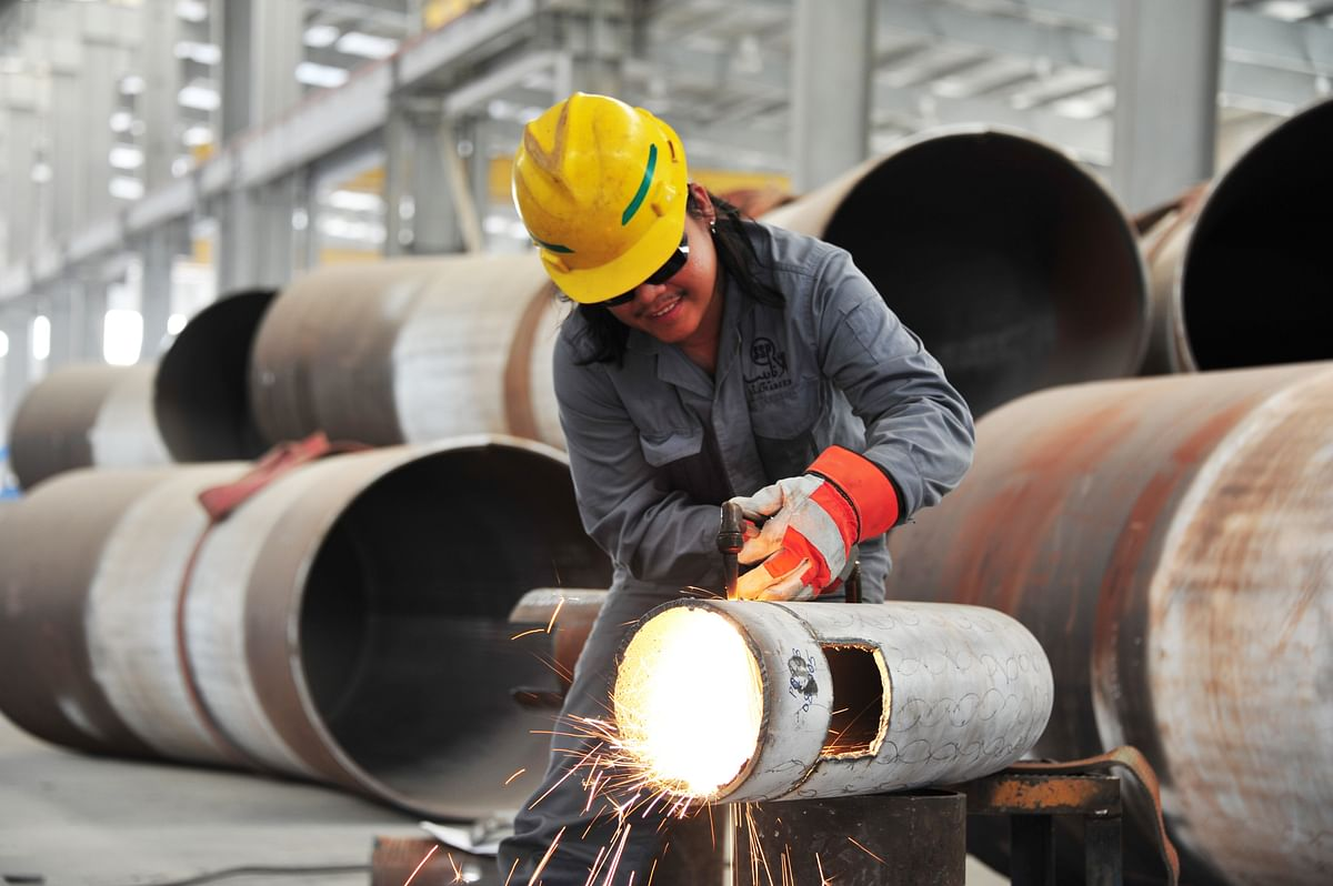 Saudi Steel Pipe Unit to Sell Operating Assets to Koch Chemical