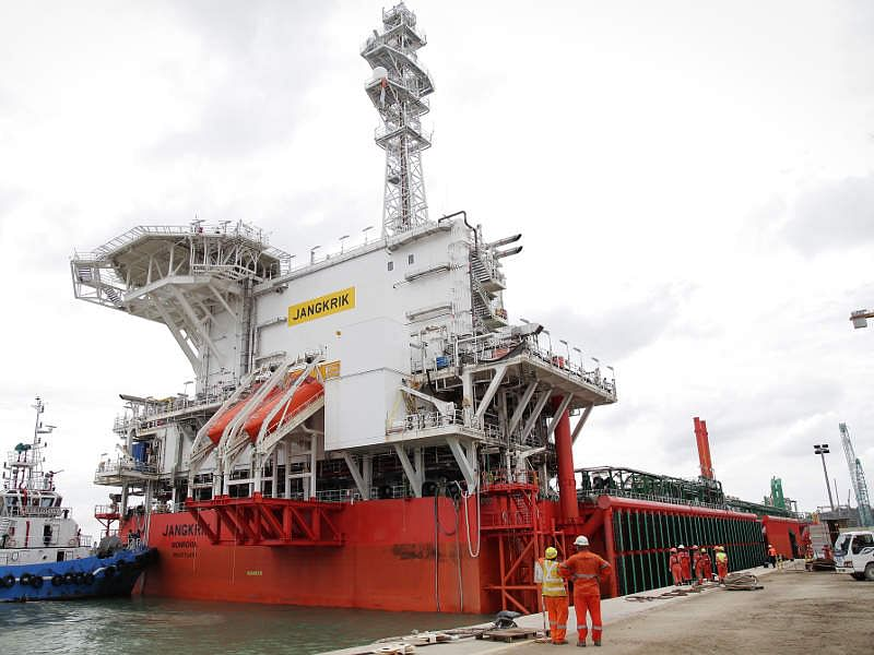 Eni Starts Gas Production from Merakes Project Offshore Indonesia