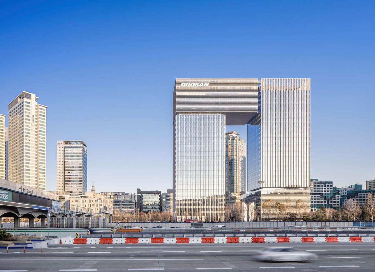 KPF Completes Bundang Doosan Twin Towers in Seoul