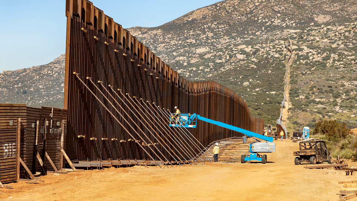 US Republicans Introduce Finish the Wall Act